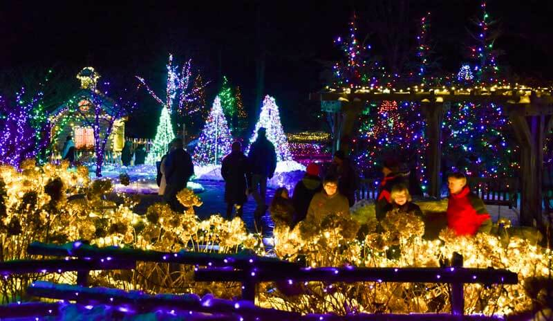 10 Gardens That Glitter With Holiday Lights Garden Destinations Magazine