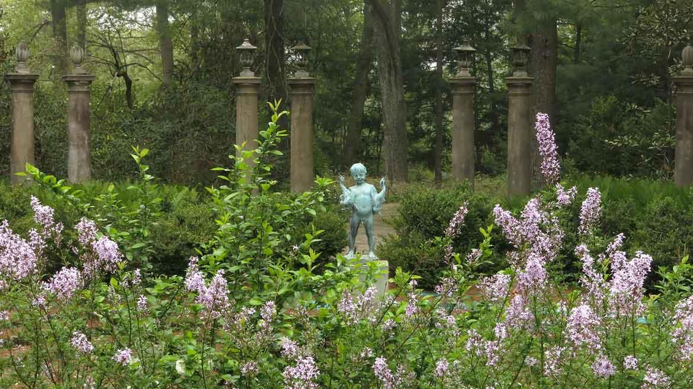 Greenwood Gardens Grows on Love and Dedication | Garden Destinations ...