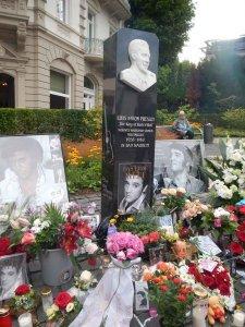 Elvis Presley memorial