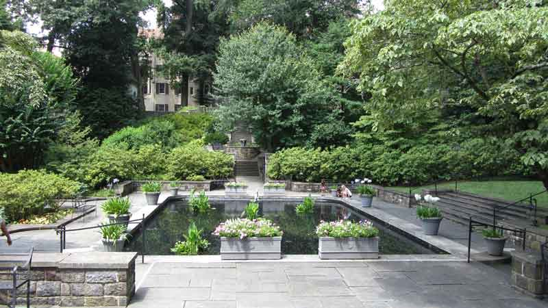 Winterthur reflecting pool