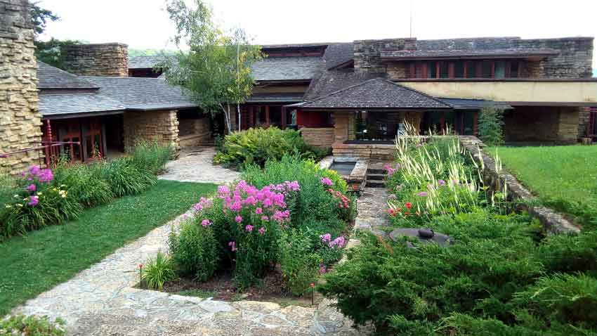 Taliesin courtyard garden