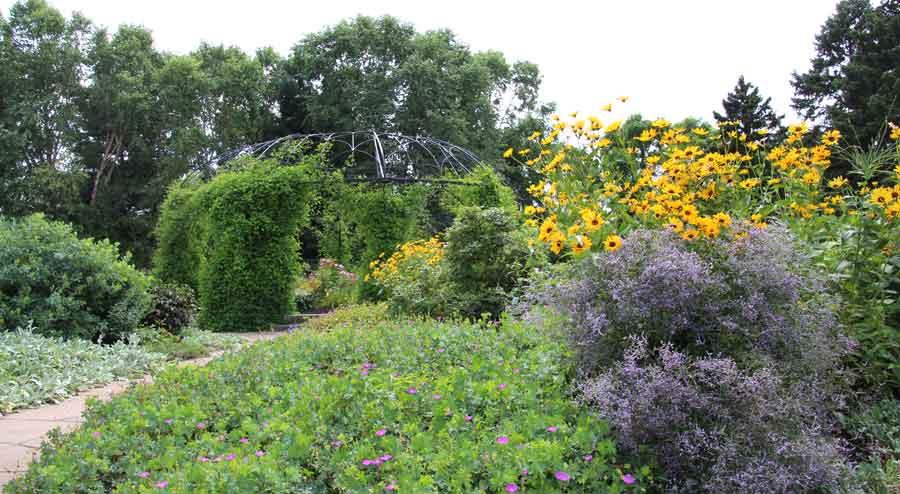 Bettendorf Centennial Garden